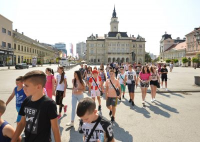 1 Deca sa KIM gosti Crvenog krsta grada Novog Sada 01 (4)