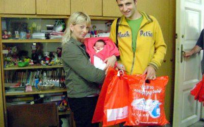 Arhivski članak: Podela Bebi paketa 8.-15.maj 2010.