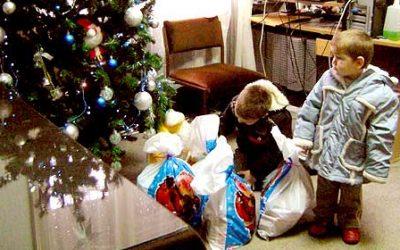 """Akcije """"Jedan paketić – mnogo ljubavi"""" Decembar 2010. – januar 2011.g."""